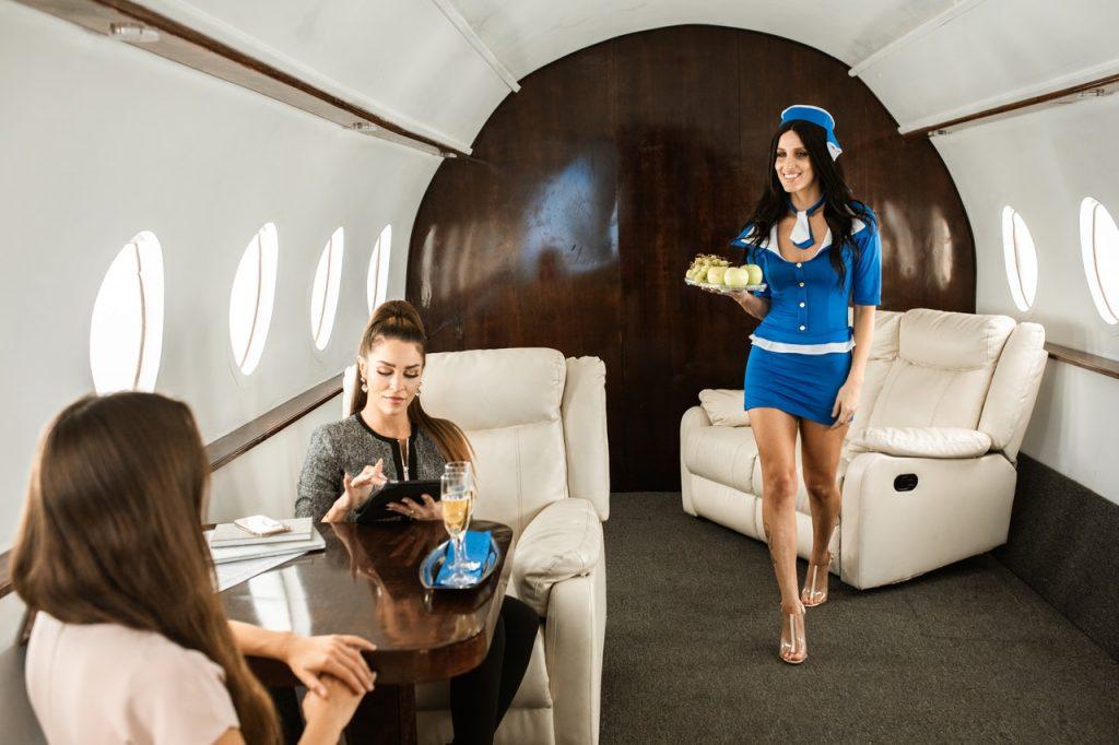 Les faux gourous avec leur faux Jet privé